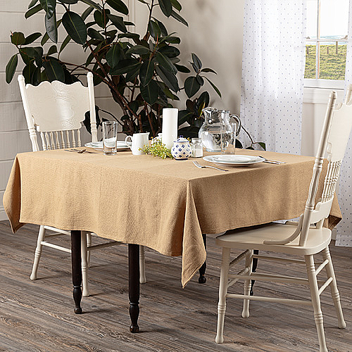 Tablecloths & Toppers