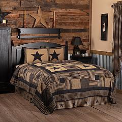 Black Check Star California King Quilt Set; 1-Quilt 130Wx115L w/2 Shams 21x37
