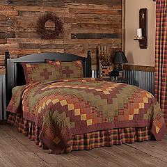 Heritage Farms California King Quilt Set; 1-Quilt 130Wx115L w/2 Shams 21x37