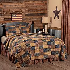 Patriotic Patch Queen Quilt Set; 1-Quilt 94Wx94L w/2 Shams 21x27
