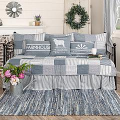Sawyer Mill Blue 5pc Daybed Quilt Set (1 Quilt, 1 Bed Skirt, 3 Standard Shams)