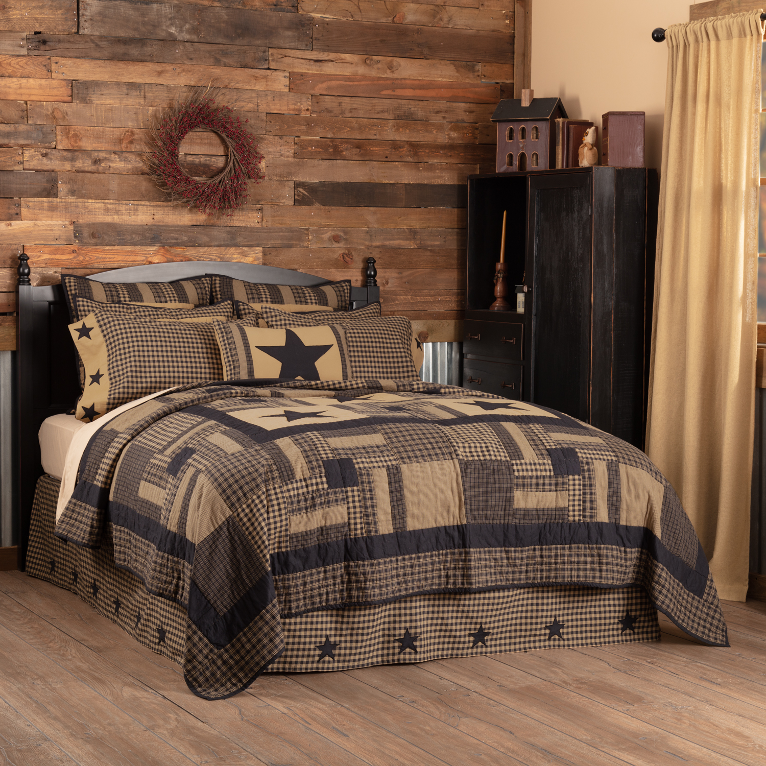 Black-Check-Star-King-Quilt-105Wx95L-image-1