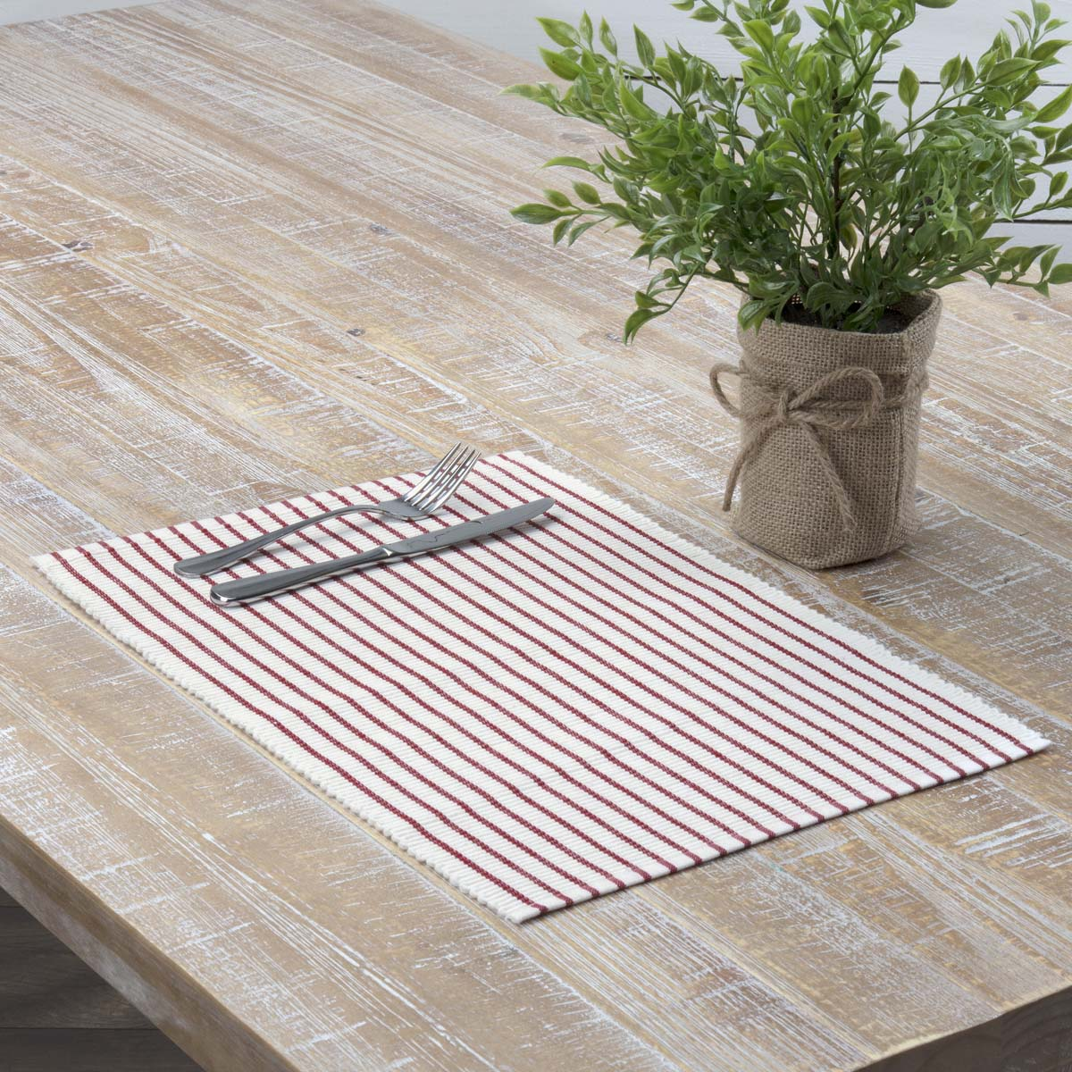 Audrey-Red-Ribbed-Placemat-Set-of-6-12x18-image-1