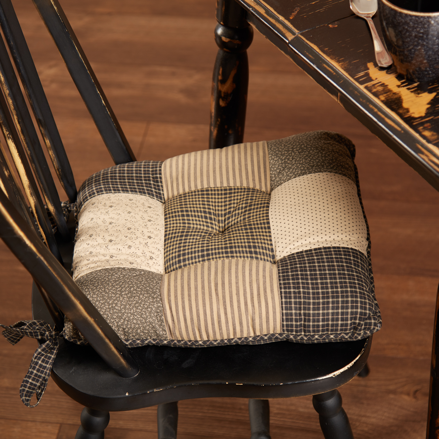 Kettle-Grove-Chair-Pad-Patchwork-image-1